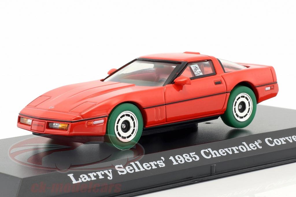 greenlight-1-43-larry-sellers-chevrolet-corvette-c4-baujahr-1985-the-big-lebowski-1998-rot-gruen-86497-gruene-version/