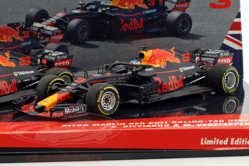 minichamps-1-43-ricciardo-no3-verstappen-no33-2-car-set-red-bull-racing-rb14-formula-1-2018-413180333/