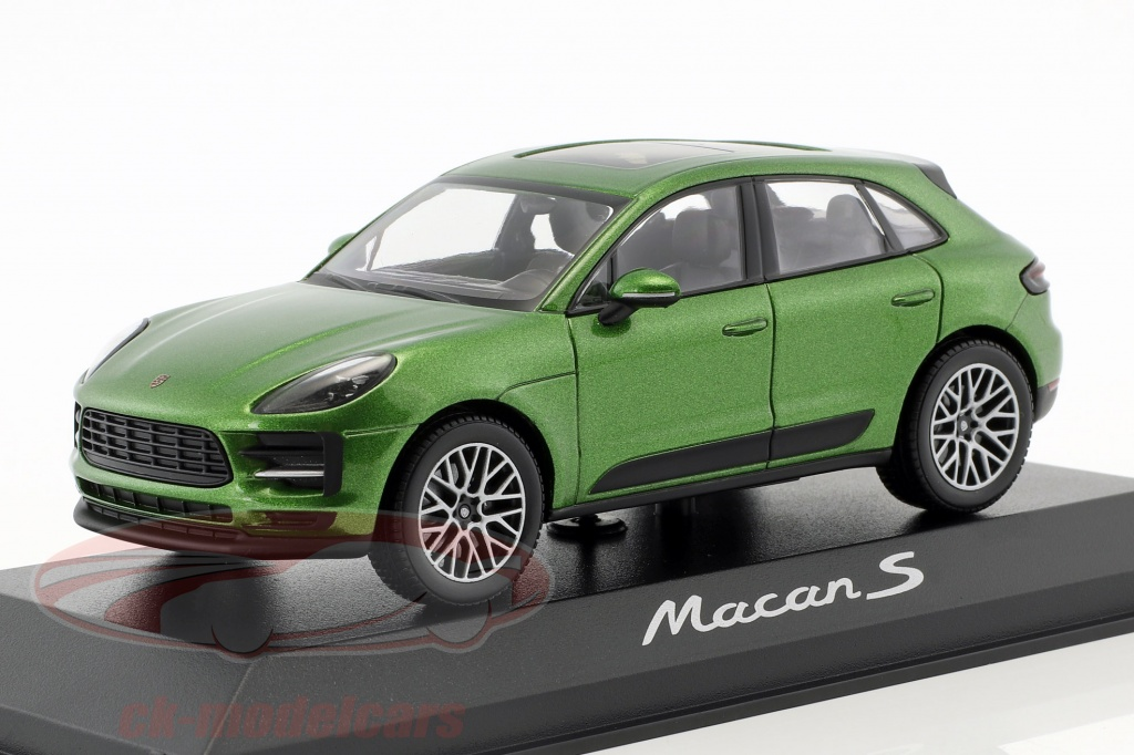 minichamps-1-43-porsche-macan-s-year-2018-mamba-green-metallic-wap0206000j/