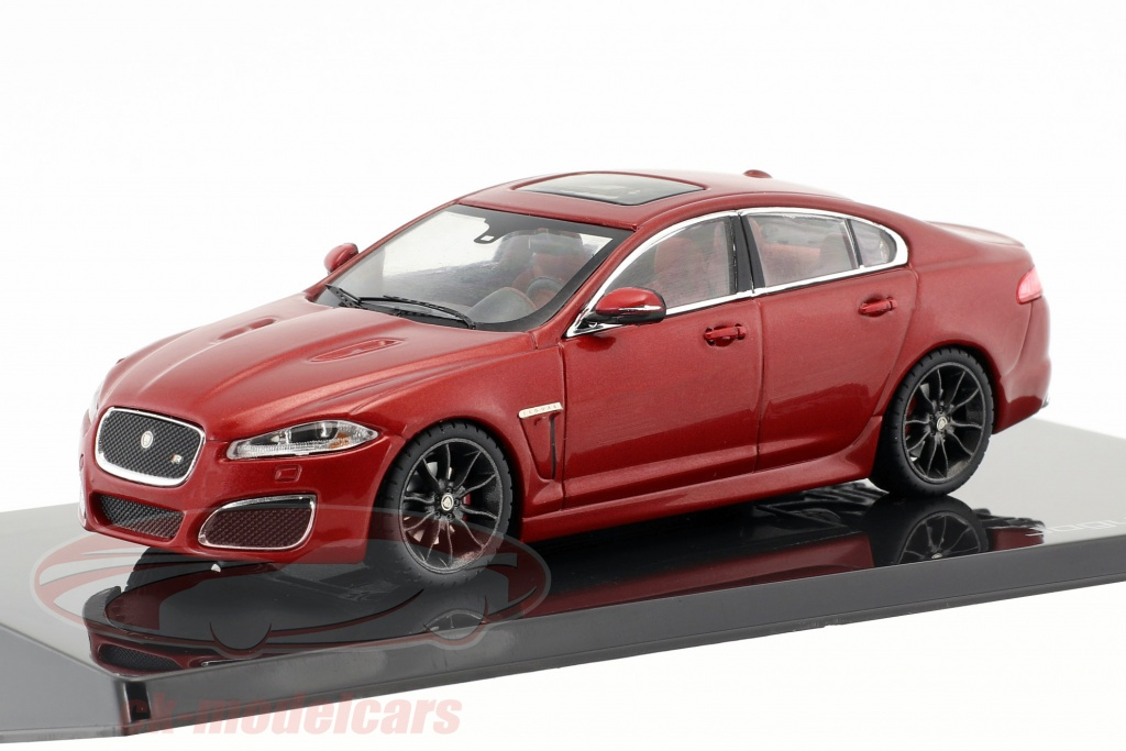 ixo-1-43-jaguar-xfr-italian-racing-red-50jdcaxfr/