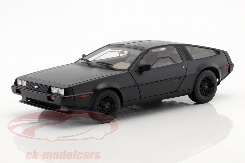 autoart-1-18-delorean-dmc-12-annee-1981-tapis-noir-79912/