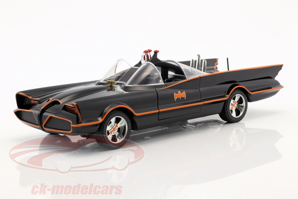 jadatoys-1-18-batmobile-classic-tv-series-1966-batman-robin-98625/