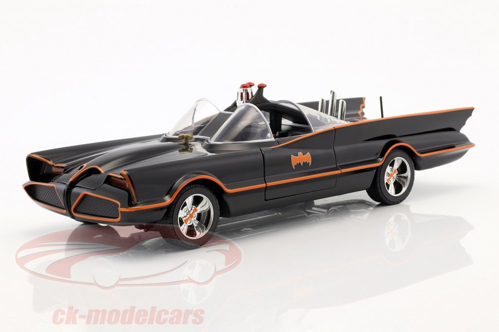 jadatoys-1-18-batmobile-classic-tv-series-1966-with-batman-and-robin-figure-98625/