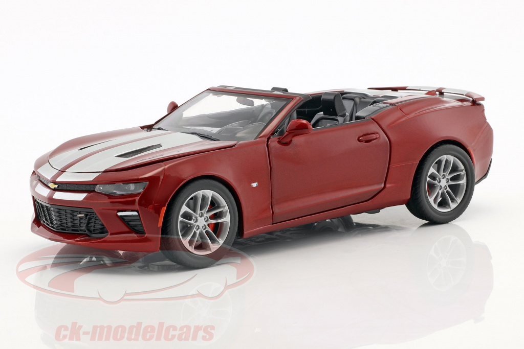 greenlight-1-24-chevrolet-camaro-ss-cabriolet-year-2017-dark-red-metallic-18245/