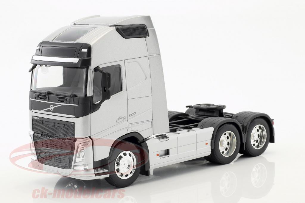 welly-1-32-volvo-fh-6x4-tracteur-annee-de-construction-2016-argent-metallique-32690ls/