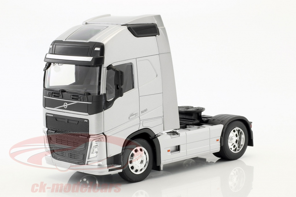 welly-1-32-volvo-fh-4x2-tractor-year-2016-silver-metallic-32690ss/