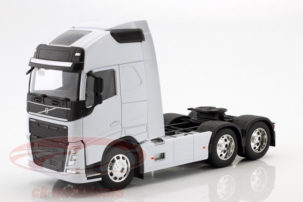 welly-1-32-volvo-fh-6x4-traktor-opfrselsr-2016-hvid-32690lw/