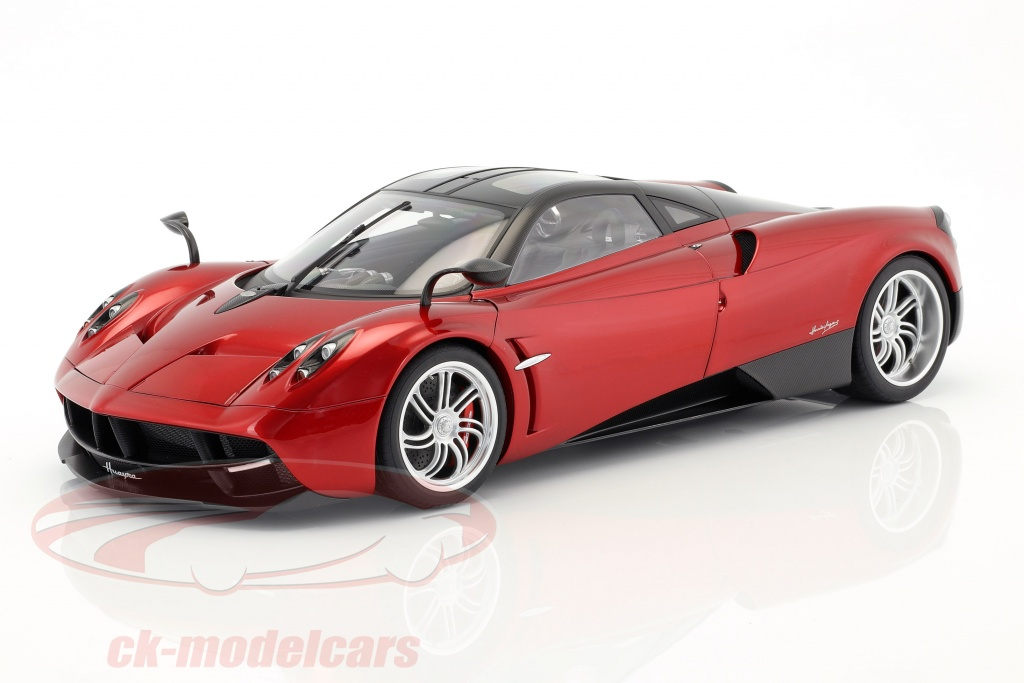 autoart-1-12-pagani-huayra-annee-de-construction-2011-rouge-metallique-12234/