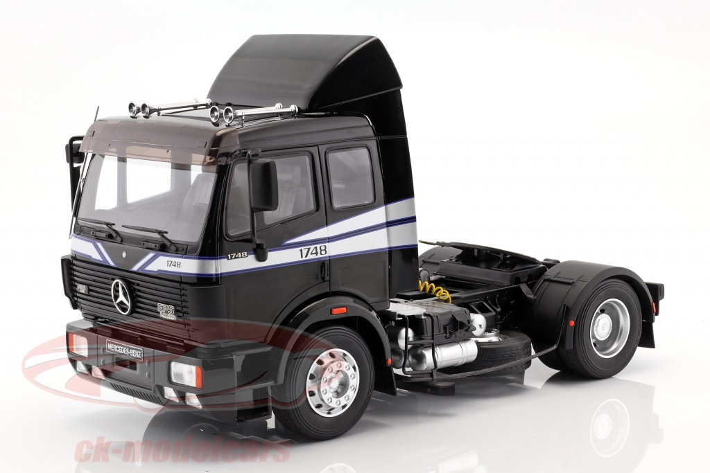 ottomobile-1-18-mercedes-benz-sk-1748-tractor-year-1990-black-ot290b/