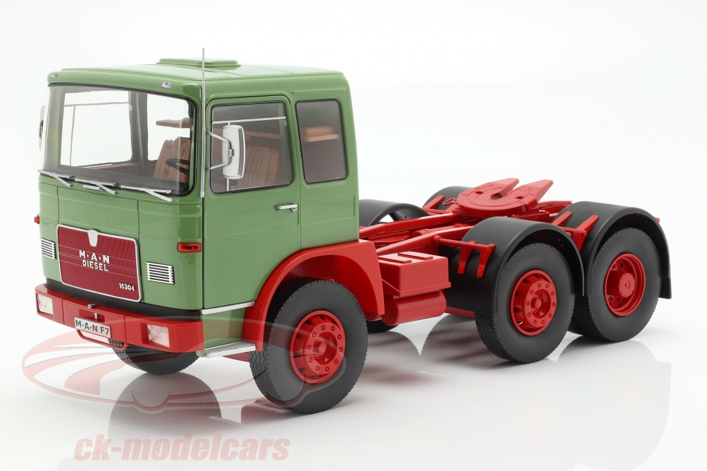 road-kings-1-18-man-16304-f7-tractor-year-1972-green-red-rk180052/