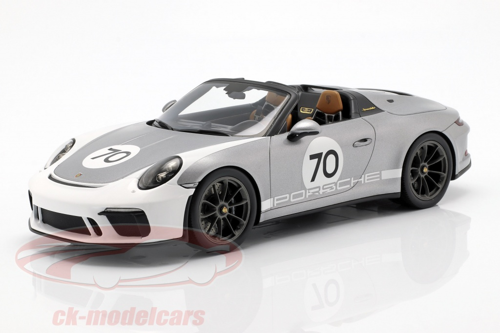 spark-1-18-porsche-911-991-ii-speedster-no70-heritage-design-package-2019-con-escaparate-plata-wap0211950k/