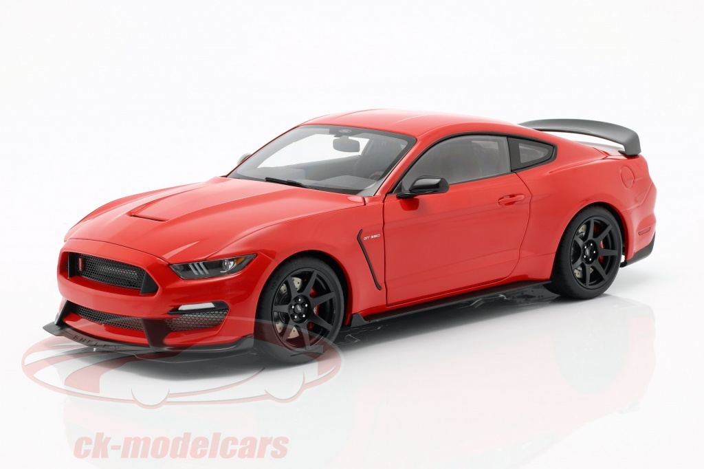 autoart-1-18-ford-mustang-shelby-gt350r-construction-year-2017-race-red-72935/