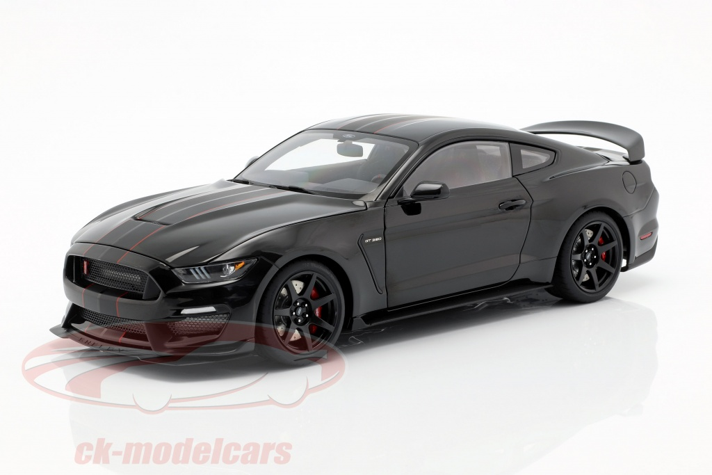 autoart-1-18-ford-mustang-shelby-gt350r-year-2017-black-mat-black-72934/