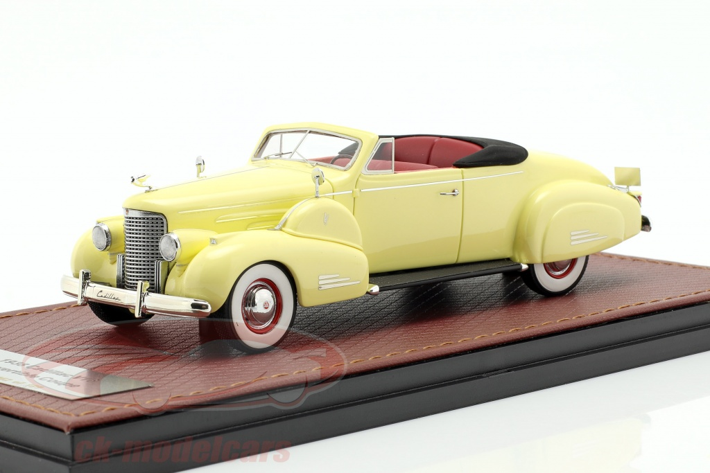 great-lighting-models-1-43-cadillac-v16-convertible-coupe-open-top-year-1938-cream-yellow-glm43101601/