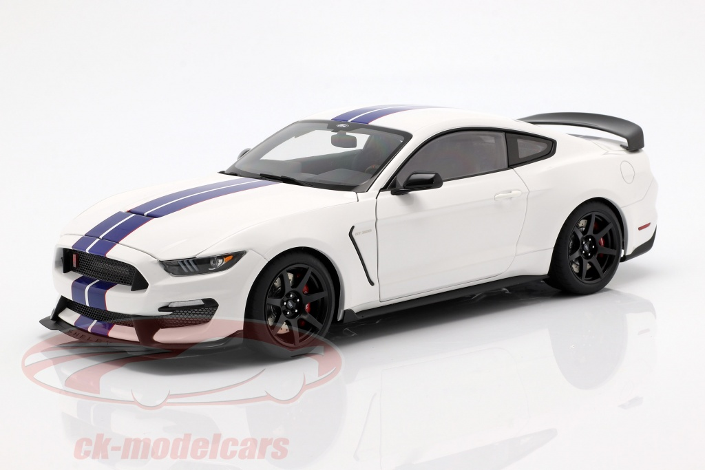 autoart-1-18-ford-mustang-shelby-gt350r-year-2017-oxford-white-blue-72931/