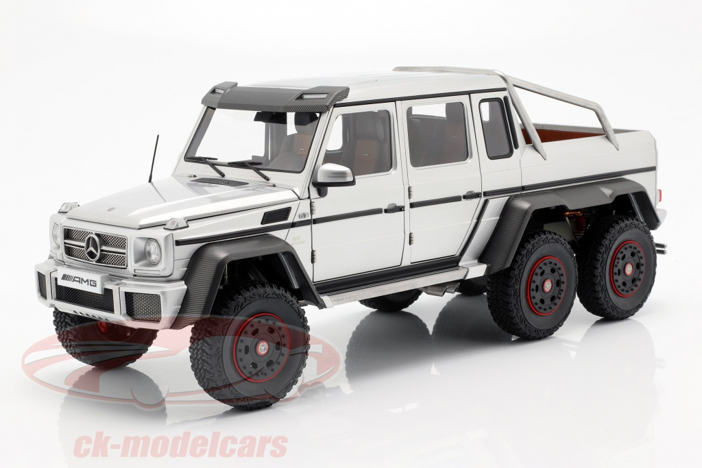 autoart-1-18-mercedes-benz-g63-amg-6x6-year-2013-silver-76301/