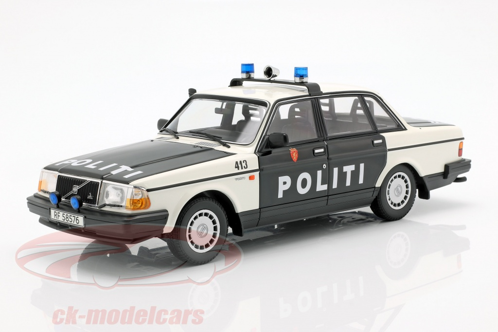minichamps-1-18-volvo-240-gl-politie-noorwegen-bouwjaar-1986-zwart-wit-155171496/