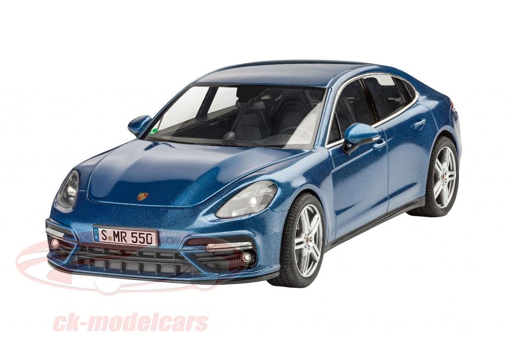 revell-1-24-porsche-panamera-turbo-kit-blue-07034/