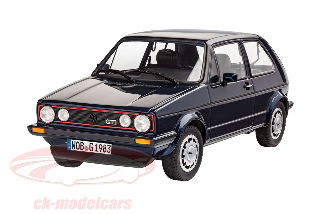 revell-1-24-35-years-of-volkswwagen-vw-golf-gti-pirelli-bausatz-05694/