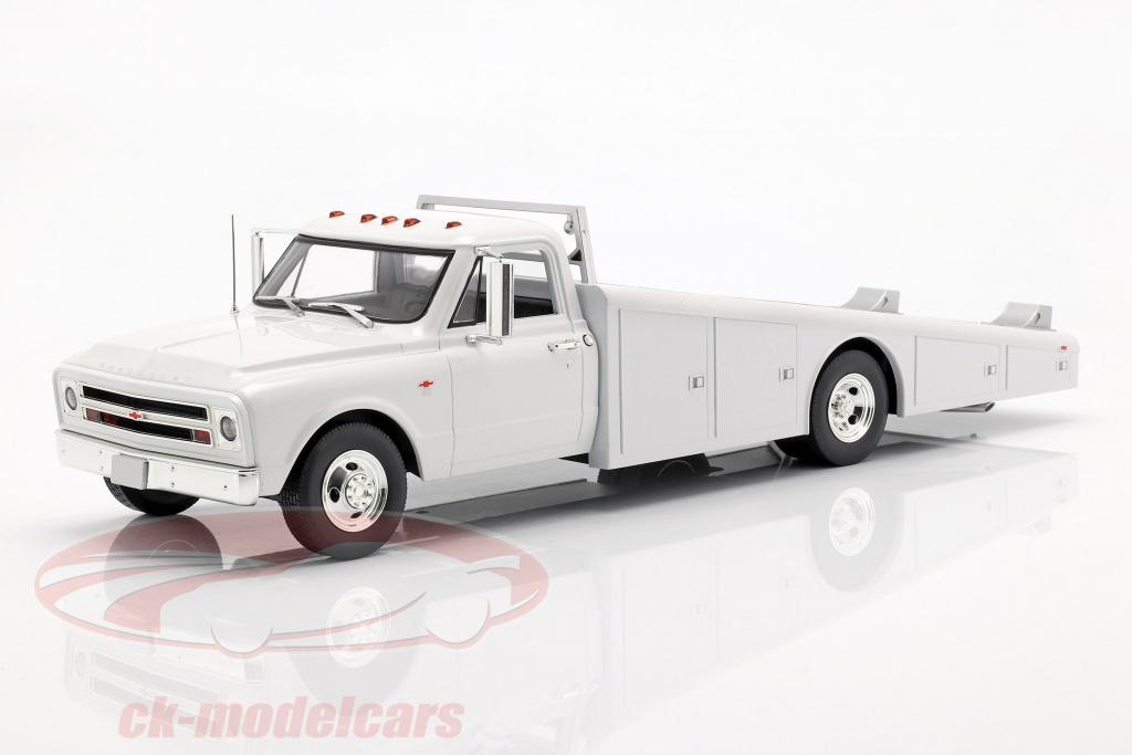 gmp-1-18-chevrolet-c-30-ramp-truck-anno-di-costruzione-1967-bianco-a1801700/