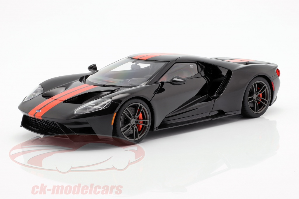 autoart-1-18-ford-gt-annee-de-construction-2017-noir-orange-72945/