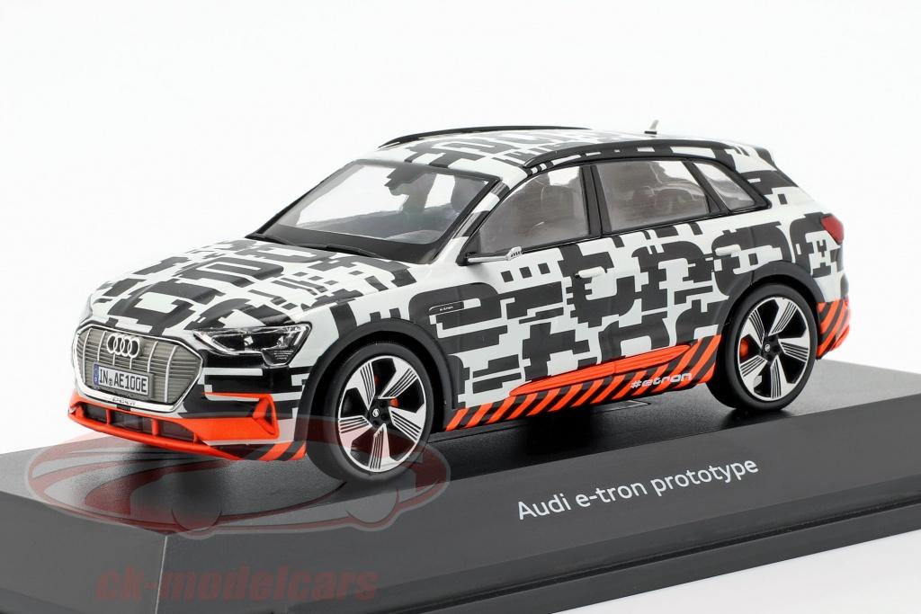 spark-1-43-audi-e-tron-prototype-weiss-schwarz-5011820633/