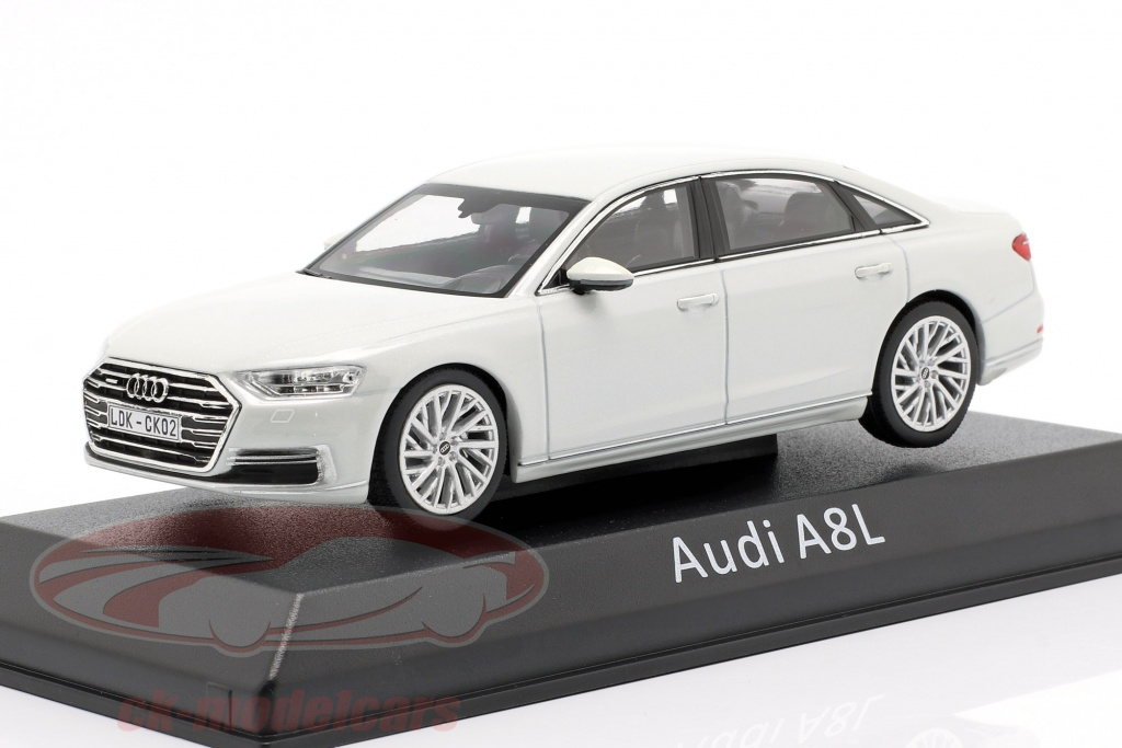 iscale-1-43-audi-a8l-weiss-1430000000073/