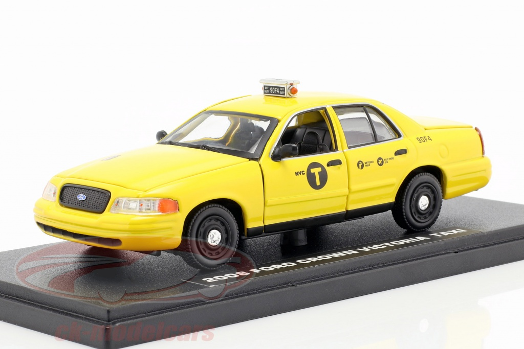 greenlight-1-43-ford-crown-victoria-taxi-year-2008-movie-john-wick-2-2017-yellow-86561/