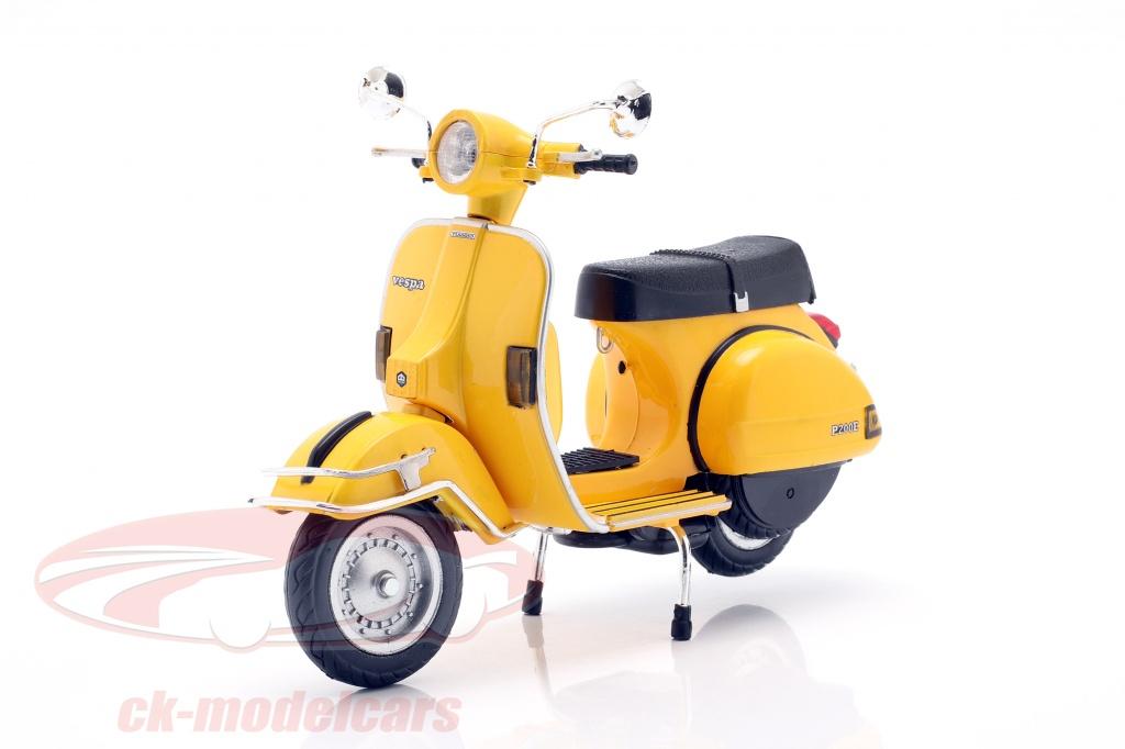 newray-1-12-vespa-p200e-del-year-1978-yellow-42123c/