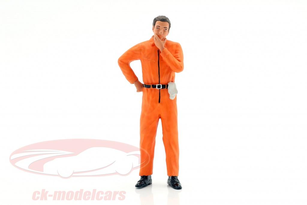 figurenmanufaktur-1-18-mekaniker-med-appelsin-overalls-tankevkkende-figur-ae180129/