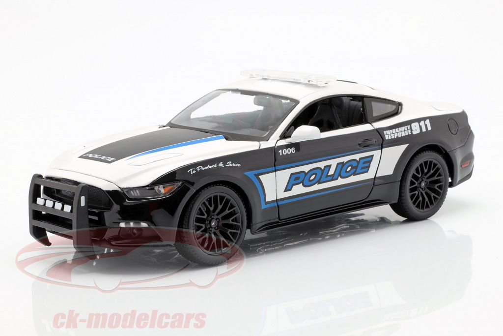 maisto-1-18-ford-mustang-gt-policy-car-year-2015-black-white-36203/