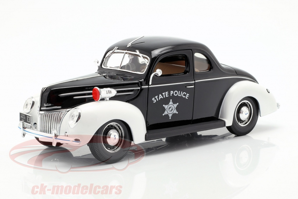 maisto-1-18-ford-deluxe-state-police-car-1939-31366/