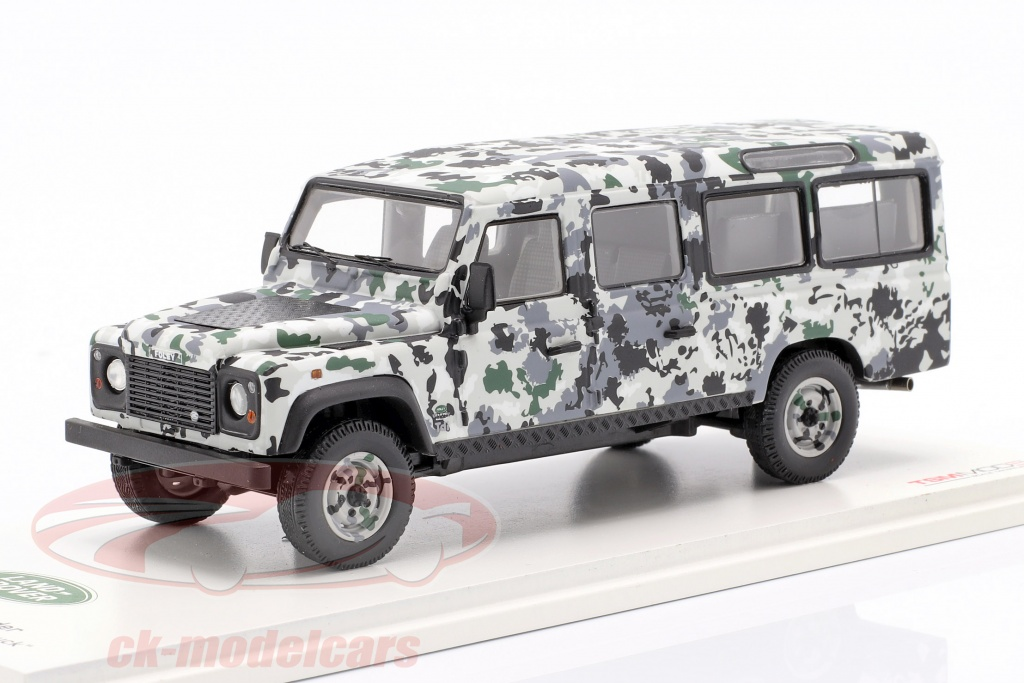 true-scale-1-43-land-rover-defender-cnn-armoured-vehicle-pizza-truck-1995-camouflage-tsm430215/