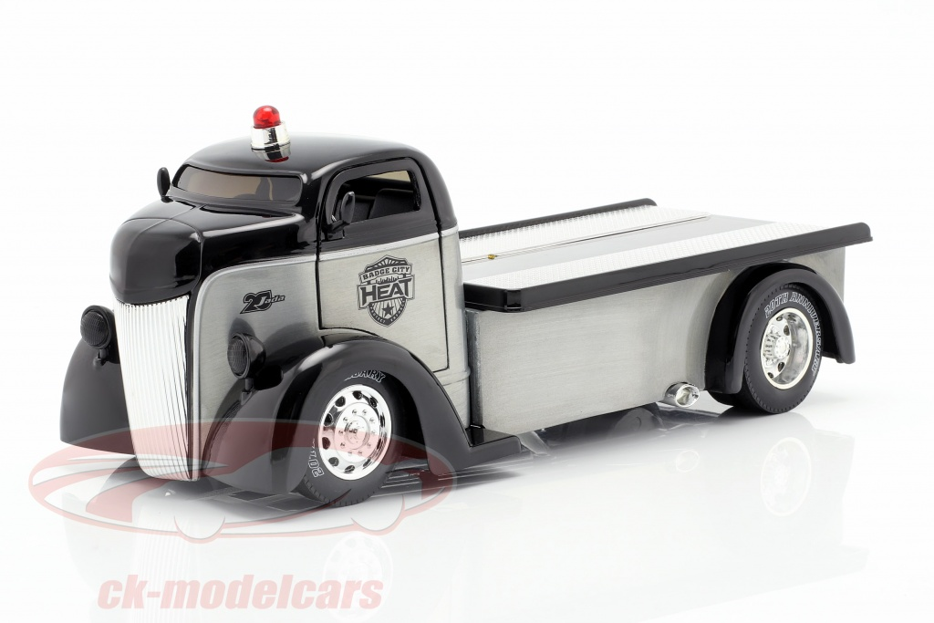 jadatoys-1-24-ford-coe-flatbed-truck-year-1947-silver-black-253745018/