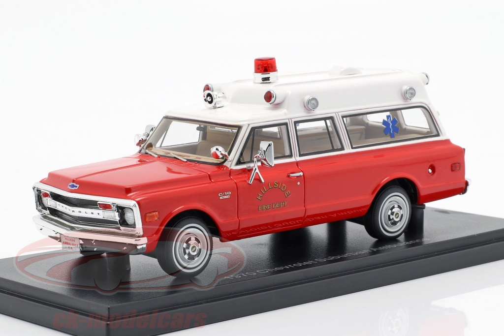 neo-1-43-chevrolet-suburban-ambulance-opfrselsr-1970-rd-hvid-neo47246/