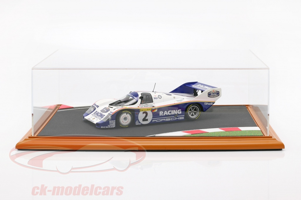 high-quality-acrylic-display-case-with-diorama-baseplate-race-track-1-18-atlantic-30105/