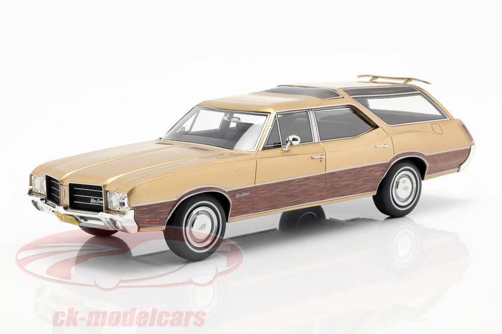 bos-models-1-18-oldsmobile-vista-cruiser-opfrselsr-1971-guld-metallic-bos351/