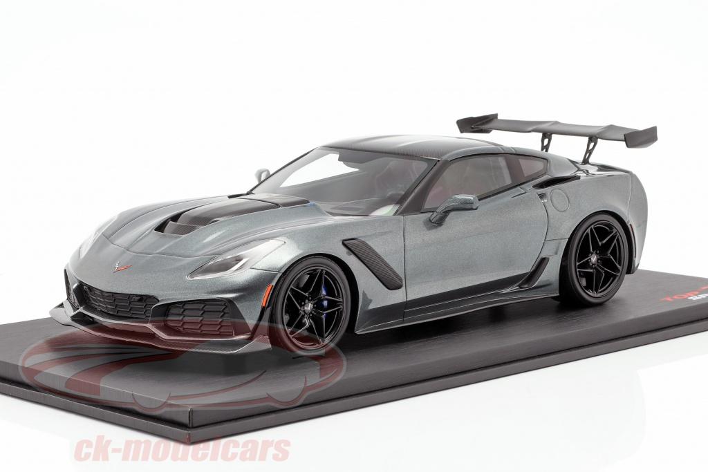 true-scale-1-18-chevrolet-corvette-zr-1-year-2018-shadow-gray-metallic-ts0148/