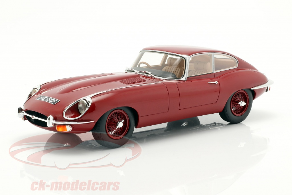 cult-scale-models-1-18-jaguar-e-type-coupe-serie-2-bouwjaar-1968-rood-cml046-3/