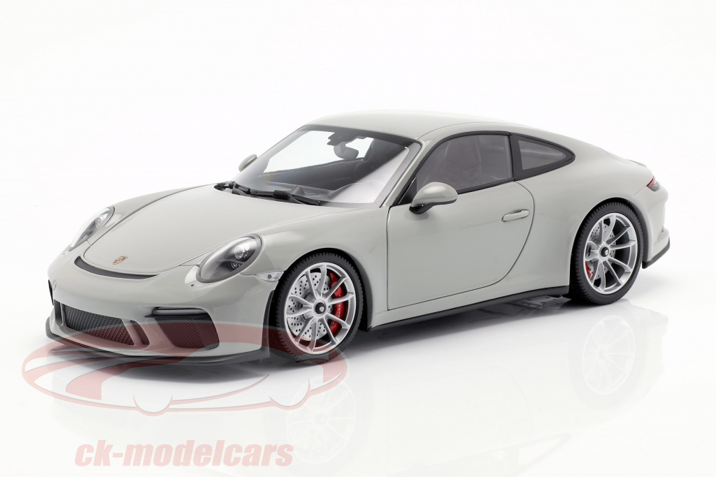 minichamps-1-18-porsche-911-991-ii-gt3-touring-year-2018-chalk-grey-110067424/
