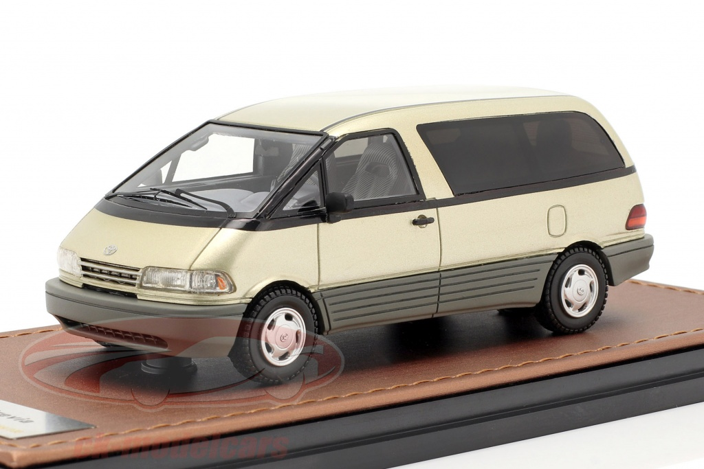 great-lighting-models-1-43-toyota-previa-opfrselsr-1994-guld-glm300103/