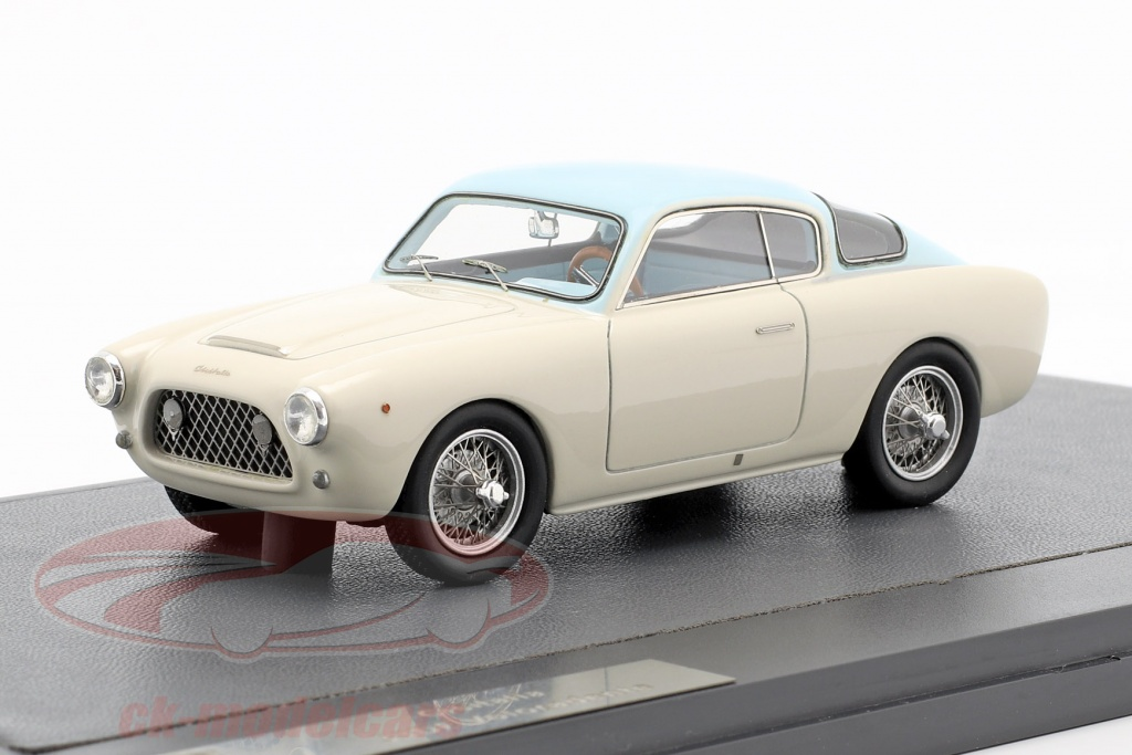 matrix-1-43-cisitalia-33df-voloradente-coupe-1954-blanc-bleu-clair-mx10307-011/