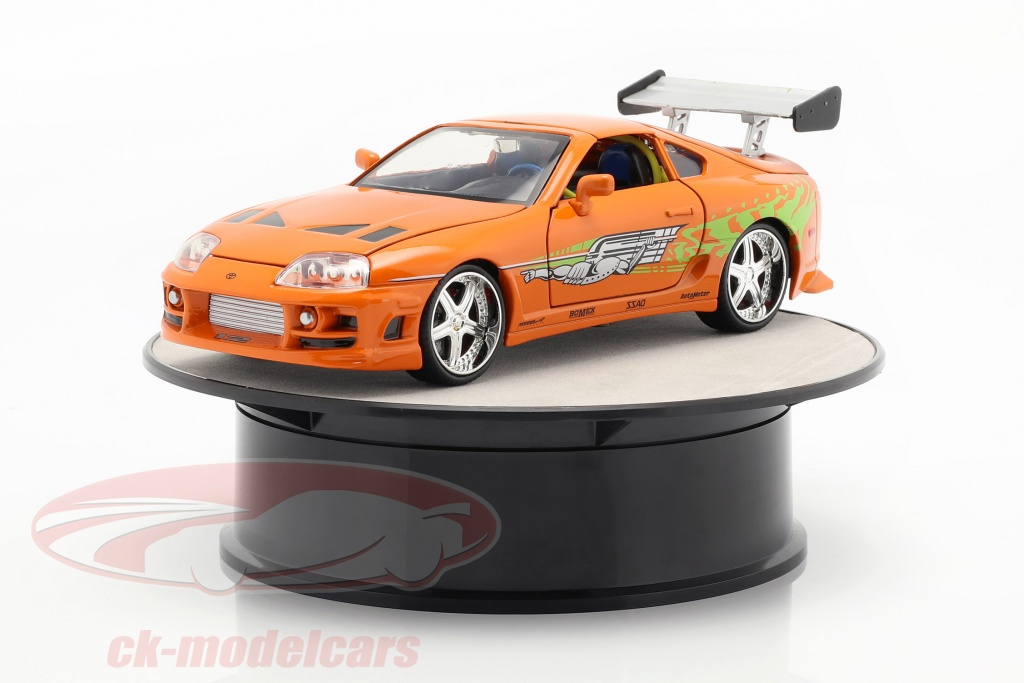 autoart-1-24-turntable-diameter-ca-20-cm-for-model-cars-in-scale-silver-98018/