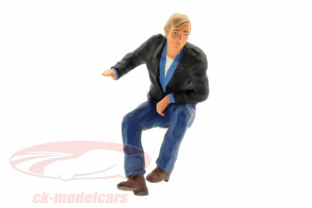 road-kings-1-18-figure-truck-driver-guenther-sitting-rk18a004/