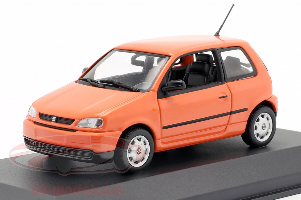 minichamps-1-43-seat-arosa-opfrselsr-1997-lyse-appelsin-seat10/