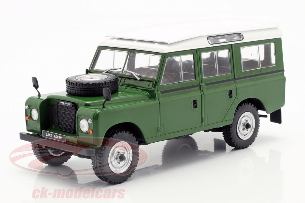 whitebox-1-24-land-rover-series-iii-109-opfrselsr-1980-grn-hvid-wb124033/