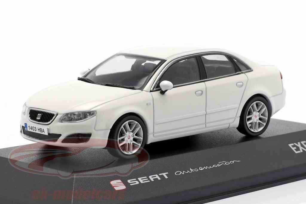 seat-1-43-exeo-limousine-candy-bianco-seat08/