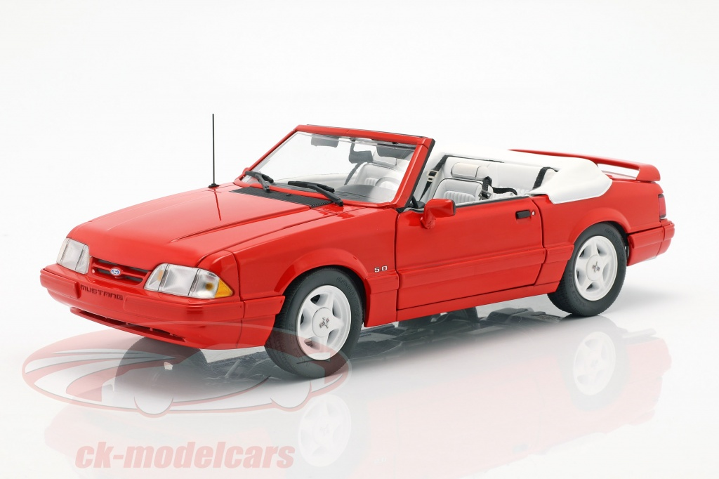 gmp-1-18-ford-mustang-lx-convertible-baujahr-1992-rot-18822/