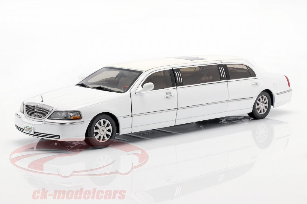 sun-star-models-1-18-lincoln-town-car-limousine-bouwjaar-2003-wit-4201/