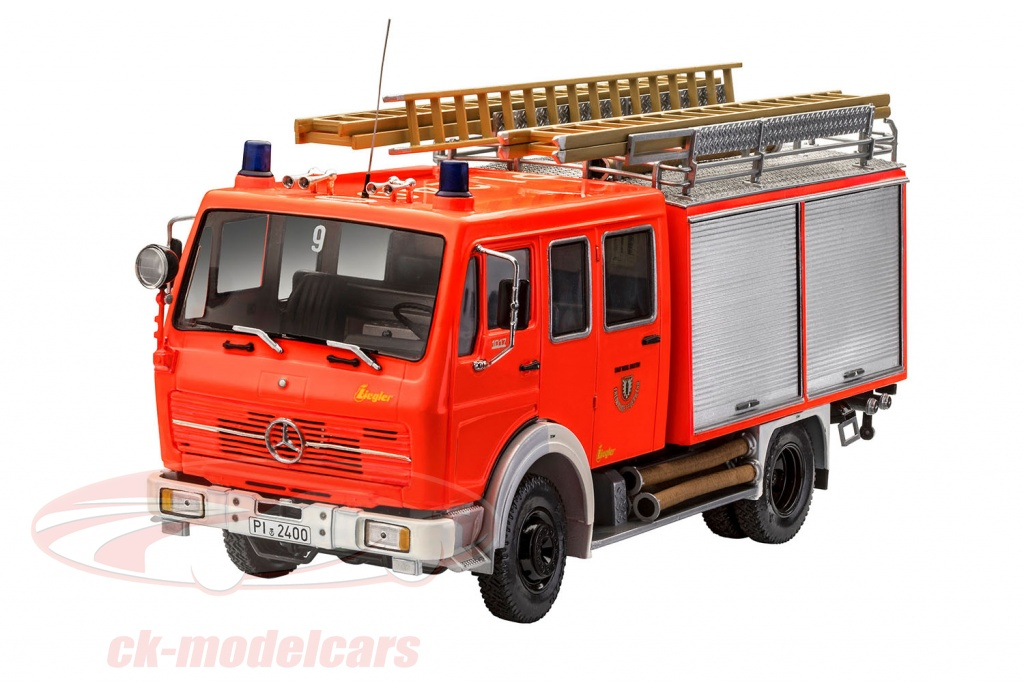 revell-1-24-mercedes-benz-1017-lf-16-vigili-del-fuoco-kit-07655/